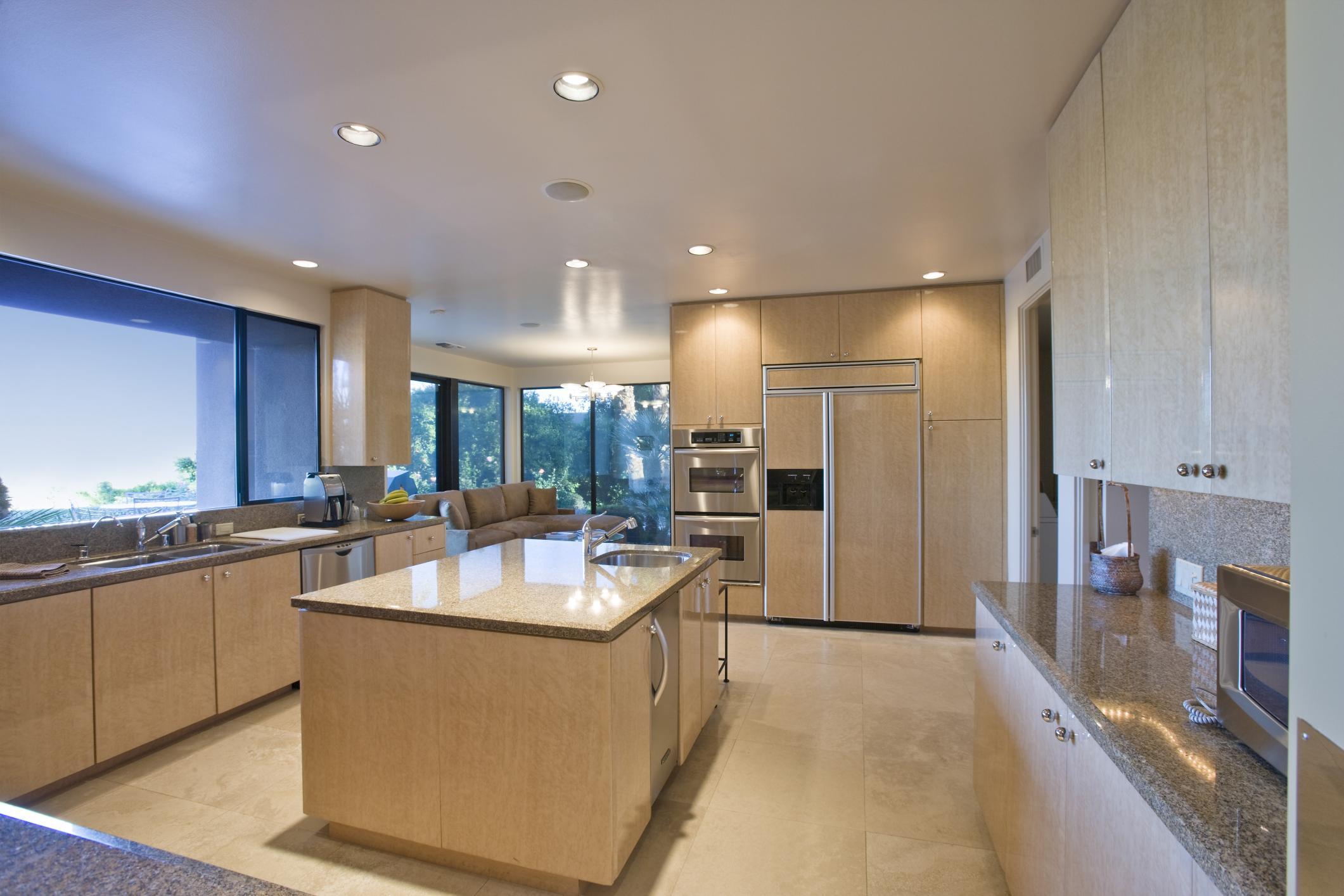 Modern Kitchen in Richmond Hill ON